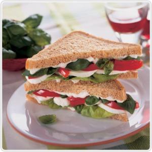 tomate-mozzarella boterham beleg brood gezond dieet
